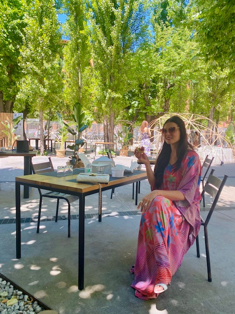 Sabrina Quartieri al picnic a MEDÏTERRANEO.Ristorante e Giardino (foto di Alessandra Trucillo)
