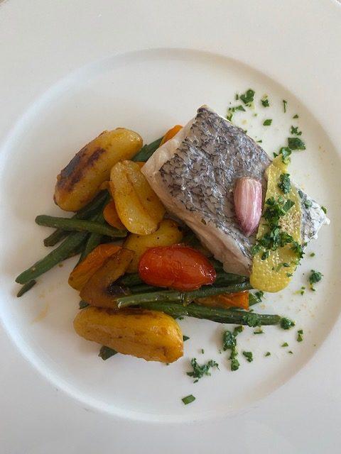 Piatto di pesce Sunday brunch