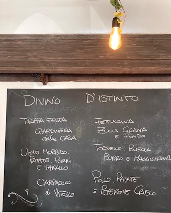 Il menu alla lavagna di D'Istinto Trattoria Aprilia