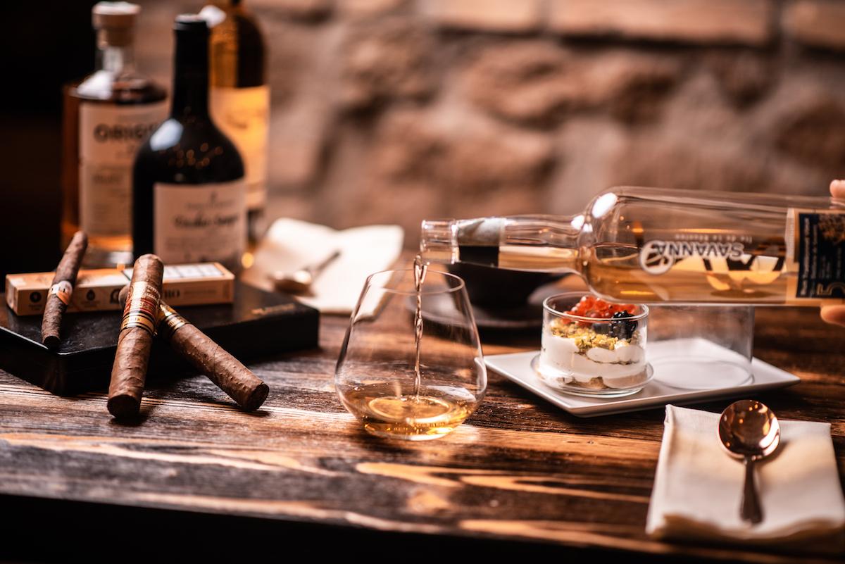 Enoteca Verso con sigari e distillati